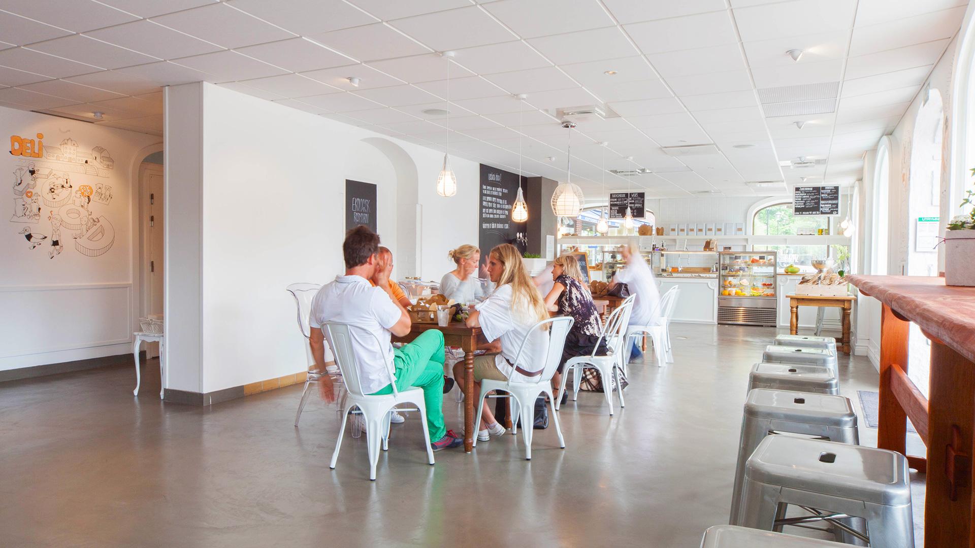 Spis&Deli Main Dining Room